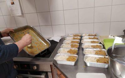 #PourEux : L'équipe de Bénévoles Intérim' cuisine pour les sans-abri